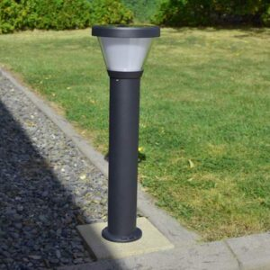 Free-light Gemini solar light in garden during day