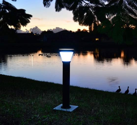 Free-light Gemini Solar Light example at night scene